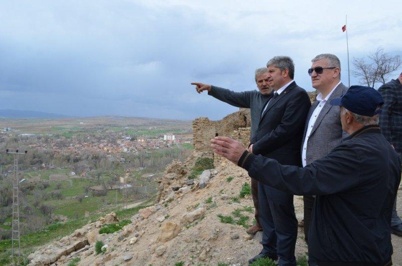Başkan Özkan, Doğanlar Mahallesi'ndeki çalışmaları inceledi