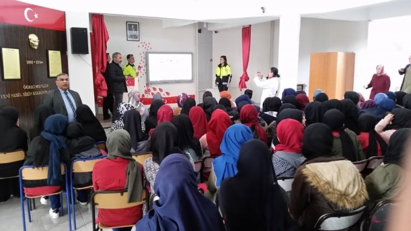 Kulu'da öğrencilere polislik mesleği tanıtıldı
