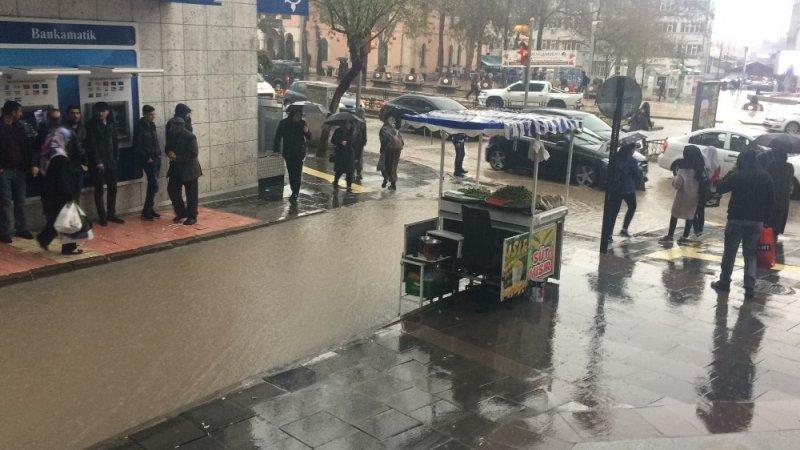 Elazığ'da kuvvetli yağmur etkili oluyor