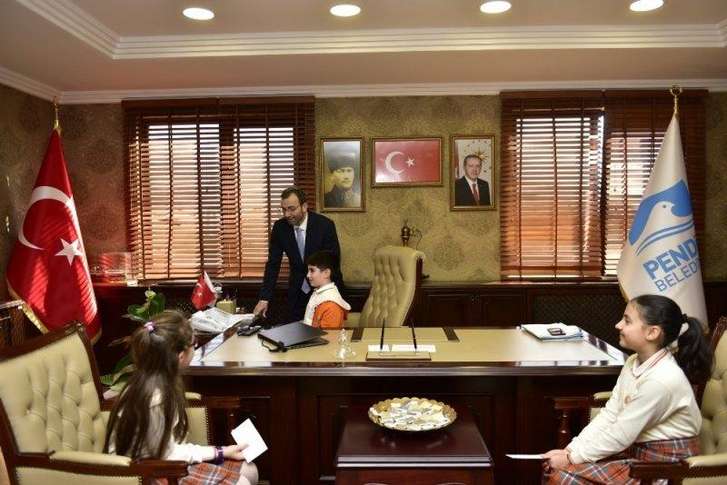 Başkan Cin'den 23 Nisan sürprizi