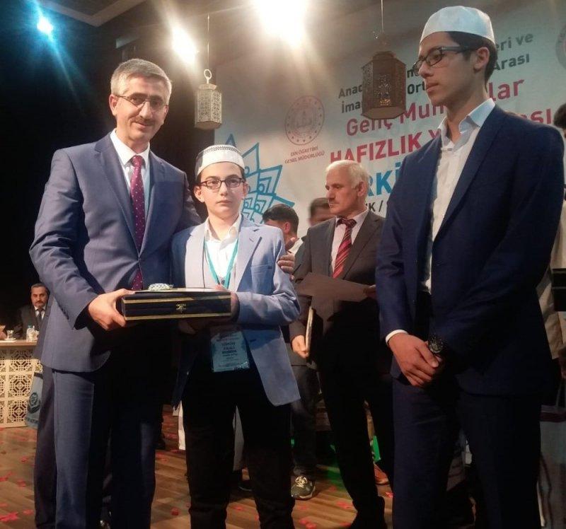 Düzceli genç hafız Türkiye ikincisi oldu