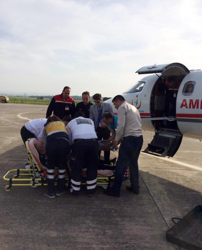 Balıkesir'den uçak ambulansla Şanlıurfa'ya hasta nakli