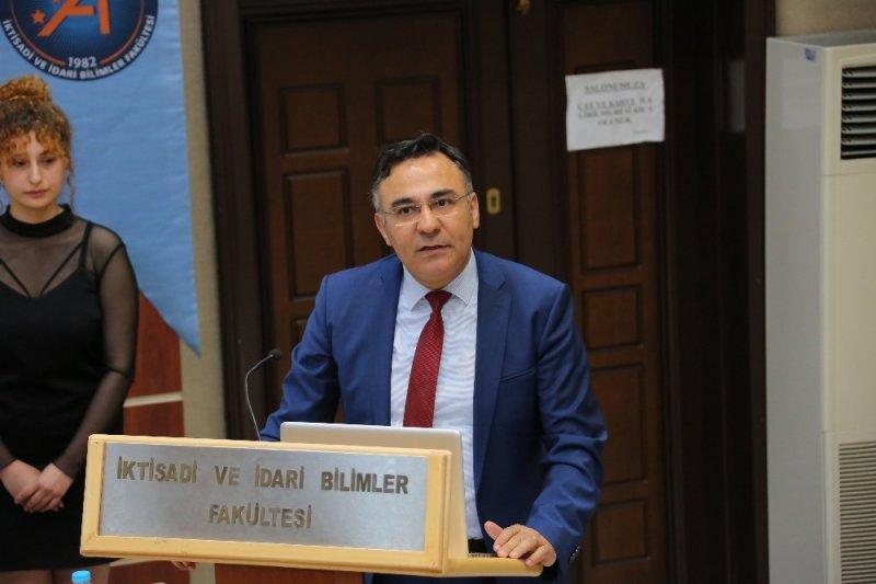"""Üniversitede """"Kriz Ülkelerinde Güvenlik Politikaları"""" konferansı düzenlendi"""