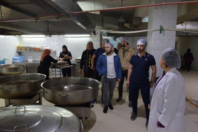Düzce Üniversitesi öğrencileri açık mutfakta