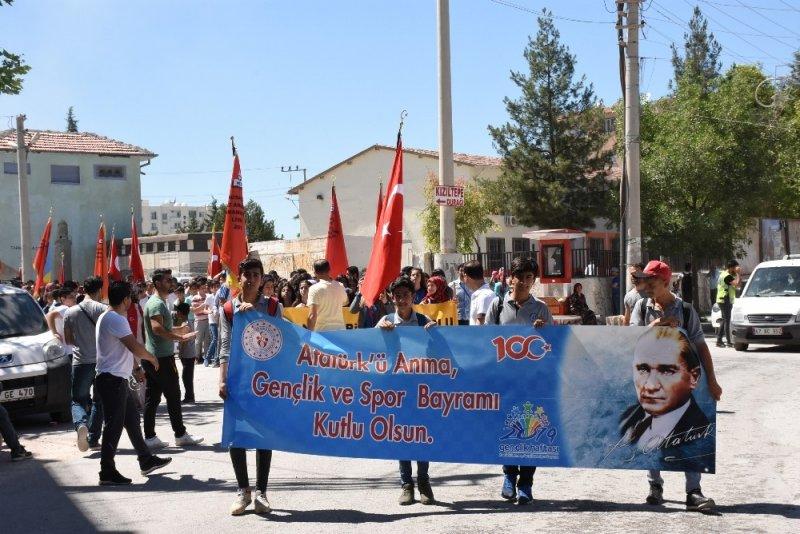 Nusaybin'de gençlik yürüyüşü yapıldı