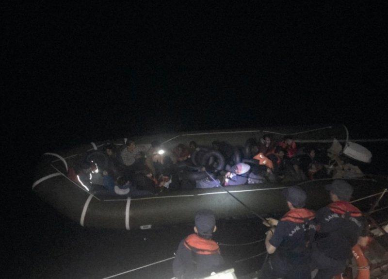 Didim'de 11'i çocuk 24 kaçak göçmen yakalandı