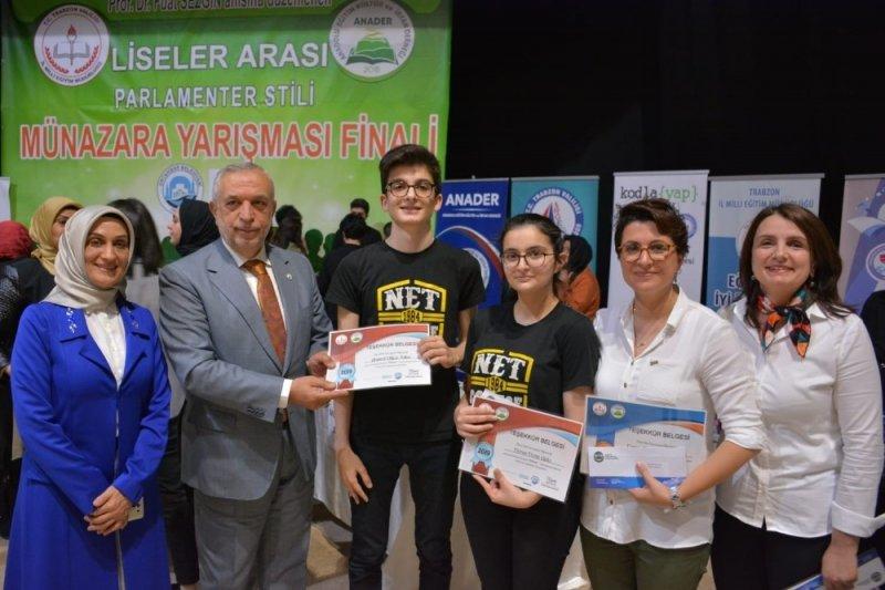 Trabzon'da liseler arası münazara finali