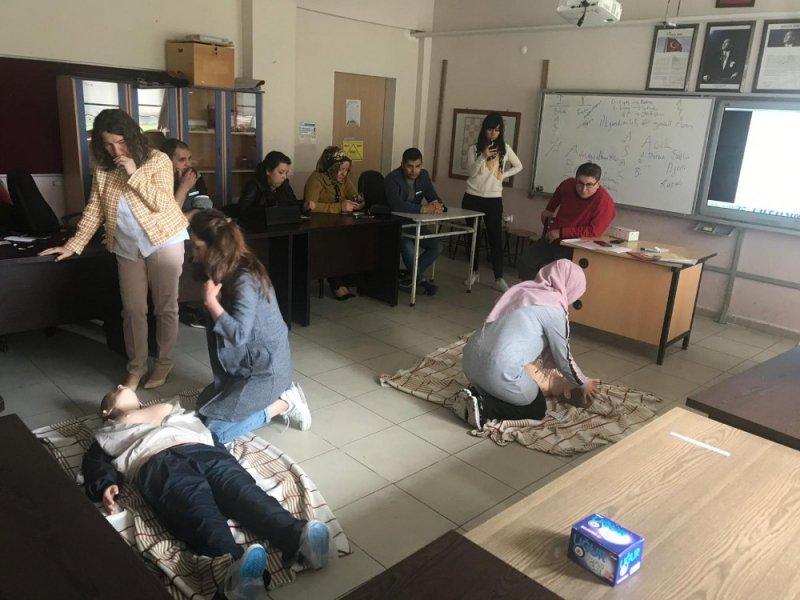Öğretmen ve idarecilere ilk yardım semineri