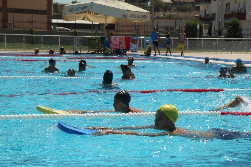 Toroslar'da yüzme kursları kayıtları başlıyor