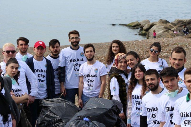 Trabzon sahillerini temizleyip kirliliğe dikkat çektiler