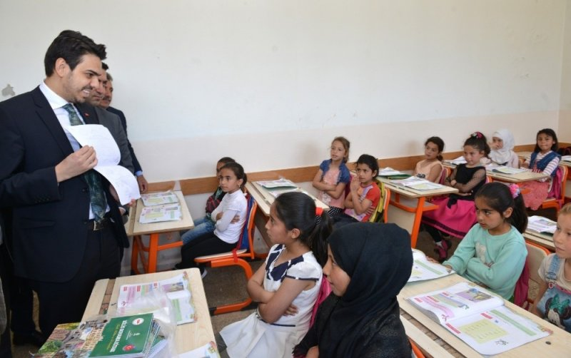 YTB heyeti Suriye'deki yerel üniversiteleri ziyaret etti