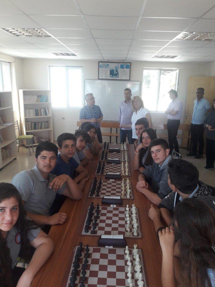 Yumurtalık'ta satranç turnuvası