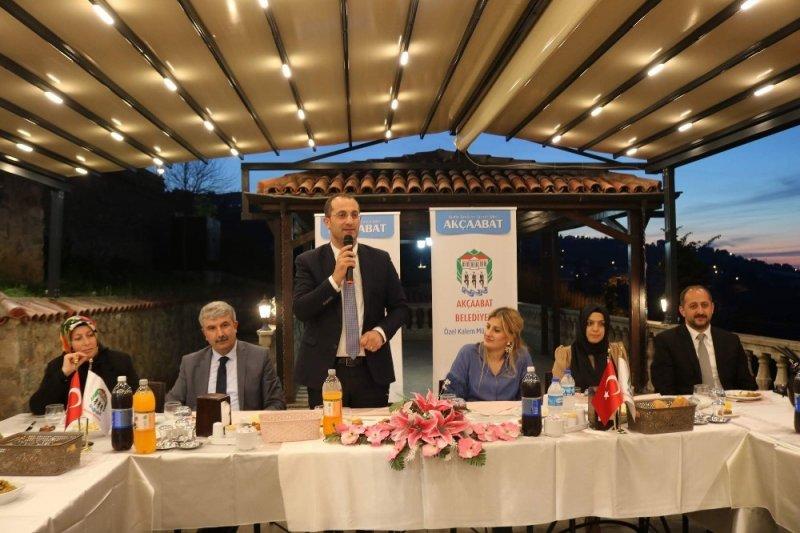 Başkan Ekim belediye meclis üyeleri ve aileleri ile iftarda buluştu