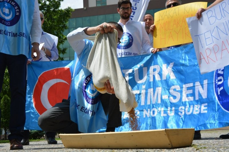 BTÜ'de arpalı protesto