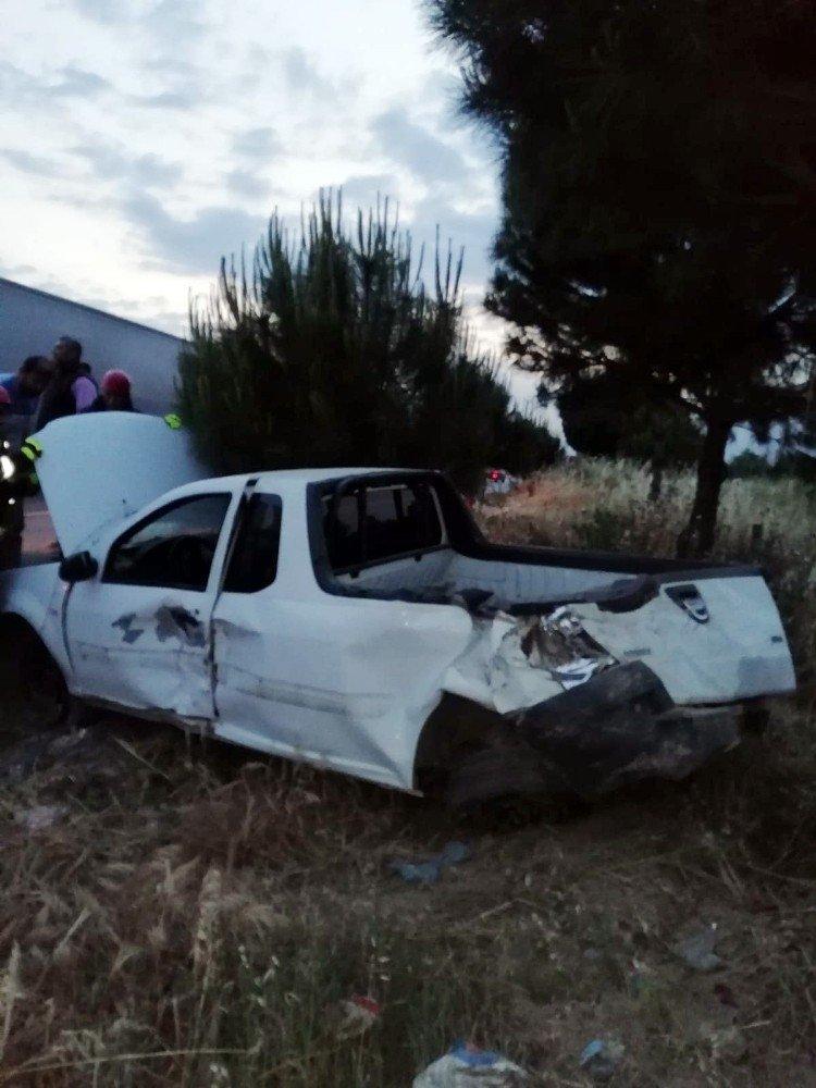 Takla atan ticari aracın sürücüsü yaralandı