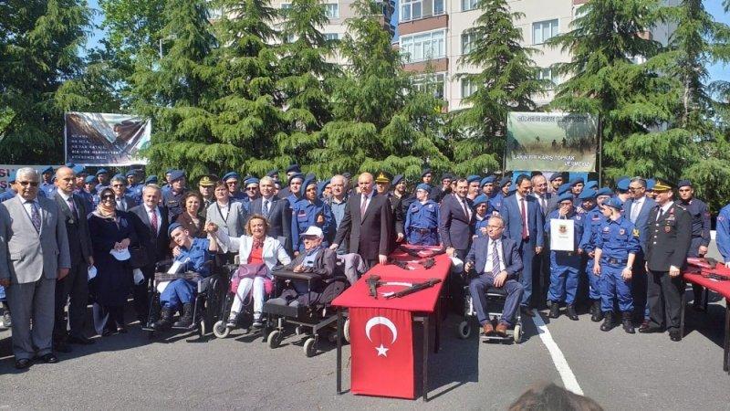 Engelli gençler askerlik sevincini yaşadı