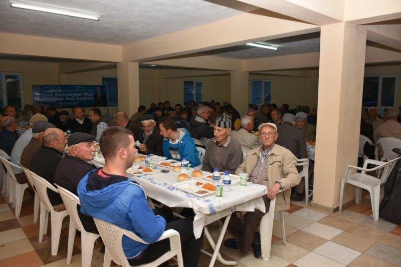 İnönü'de mahalle iftarları devam ediyor
