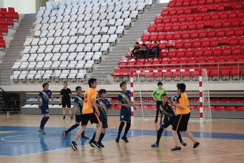 Gençlik Haftası hentbol müsabakaları yapıldı