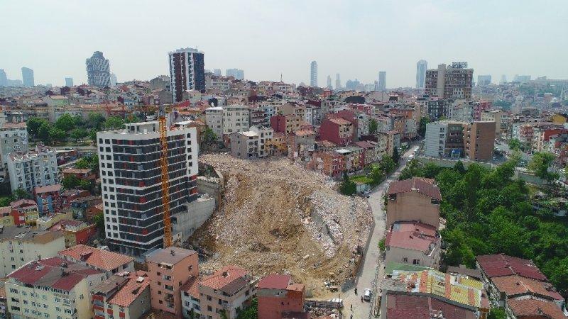 Kağıthane'de yıkılan binaların enkaz alanı havadan görüntülendi