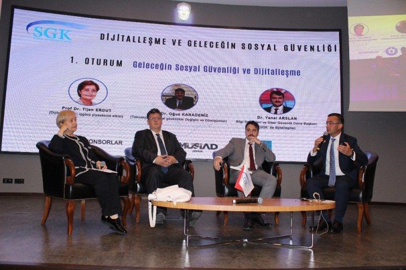 """SGK İzmir İl Müdürü Gülcemal: """"Bugün karşımızda 13 yaşında bir delikanlı var"""""""