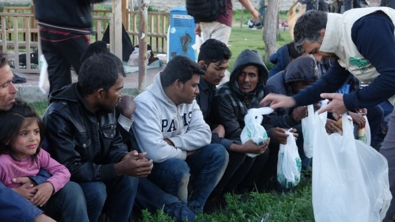 Umut Kervanından mültecilere iftar
