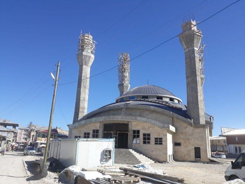 Çaldıran Merkez Camii yapımı yeniden başlatıldı