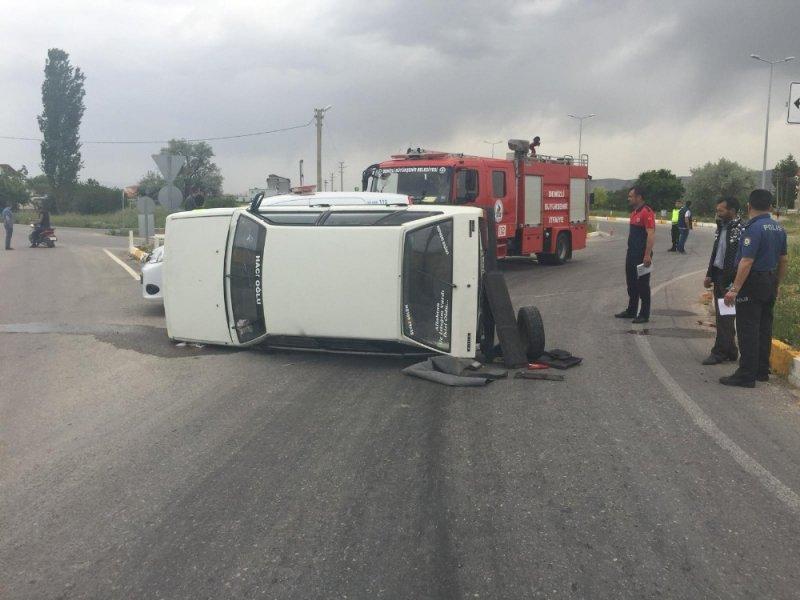 Denizli'de trafik kazası: 3 yaralı