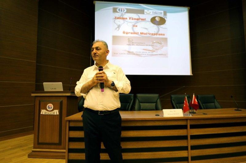 GAÜN'de zaman yönetimi ve motivasyon konferansı
