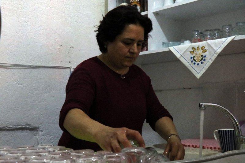 İşsiz kalan annesinin desteği ile çağ ocağı işletmecisi oldu