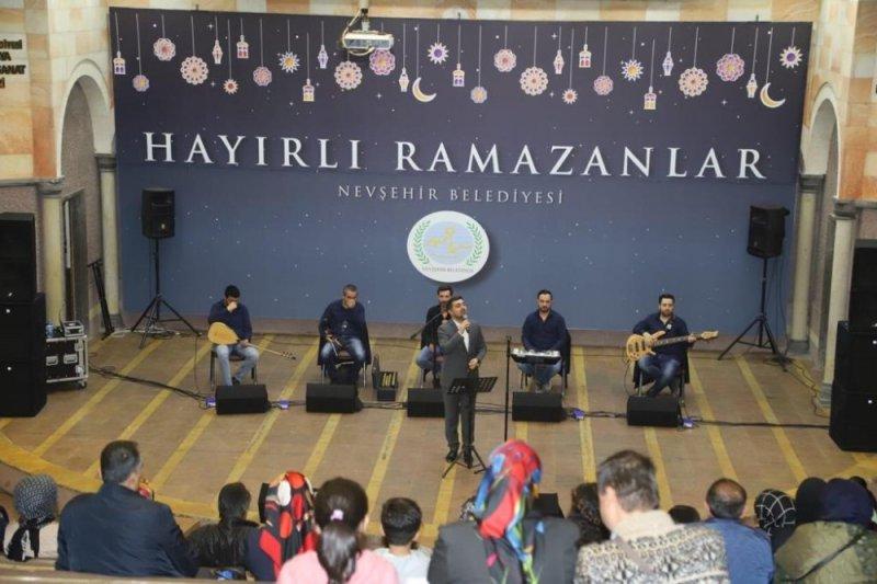 Ahmet Hakan Karagül'den ilahi ziyafeti