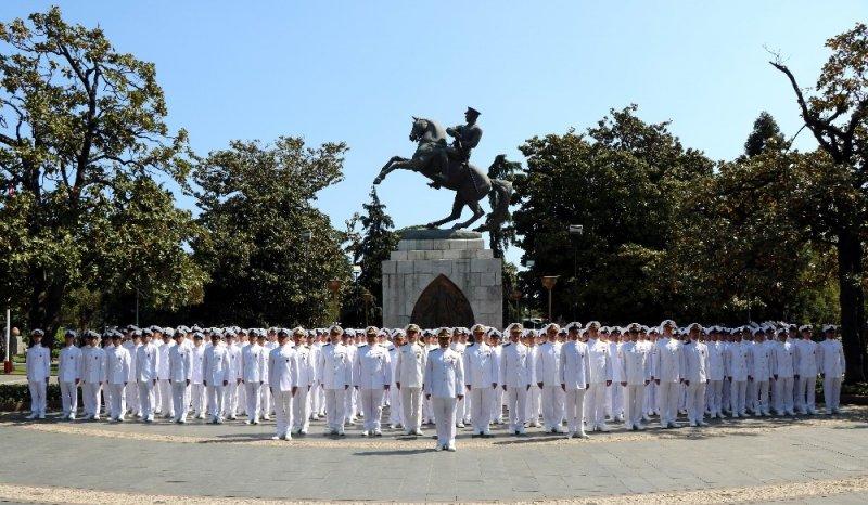 Denizciler Samsun'a çıkarma yaptı