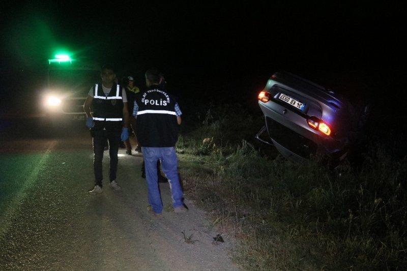 Defalarca takla atan otomobilden fırlayan kadın hayatını kaybetti