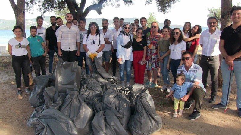 Didim MYO öğrencilerinden çevre temizliği