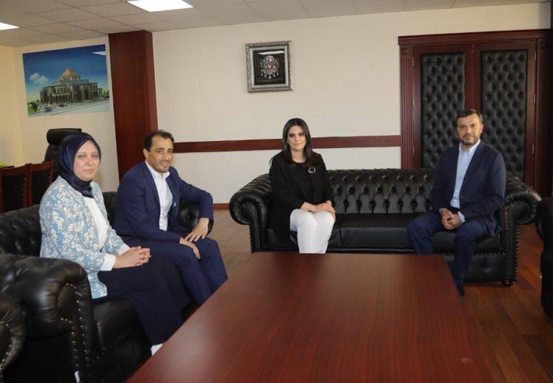 Jülide Sarıeroğlu, Yüreğir Belediyesi Başkanı'nı ziyaret etti