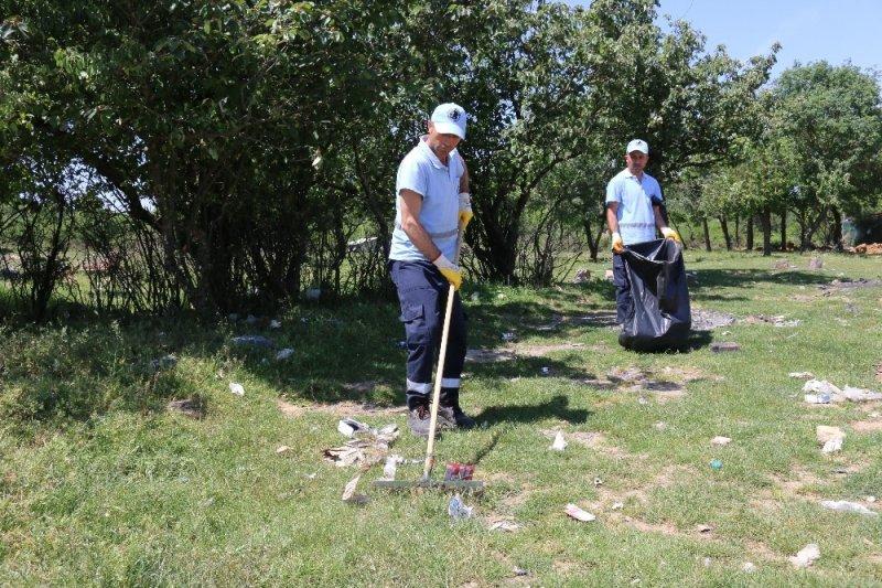 Aydos Ormanı'nı piknikçiler çöplüğe çevirdi