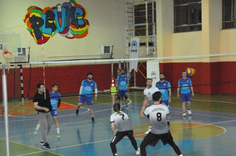 Lapseki Kaymakamlık Voleybol Turnuvası sona erdi