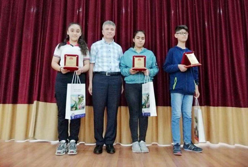 Sıla Özdemir şiir yarışmasında 1. oldu