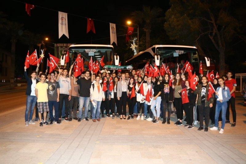 Başkan Doğan gençlerle Anıtkabir'i ziyaret etti