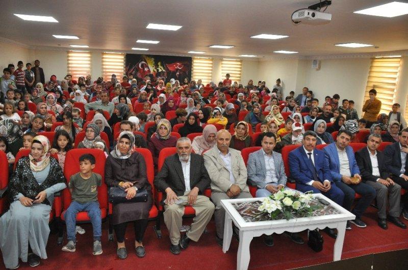 Kur'an kurslarında yıl sonu programı