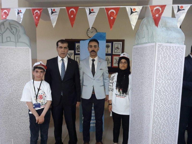 Öğrencilerden Türkçe farkındalık projesi