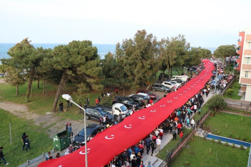1919 metrelik dev bayrak yürüyüşü
