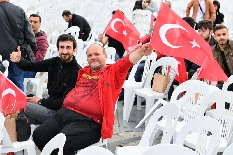 """Taksim Meydanı'nda dev ekranda """"Final Four"""" heyecanı"""