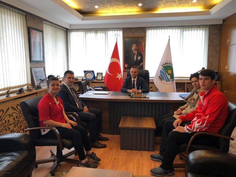 Milli Sporculardan Başkan Alan'a ziyaret