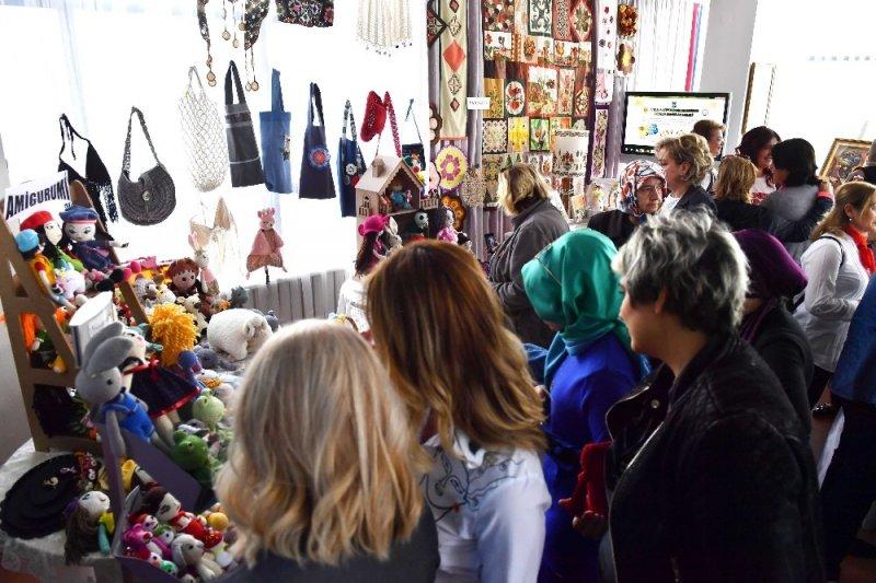 Dikmen Hanımlar Lokali'nden el sanatları yıl sonu sergisi