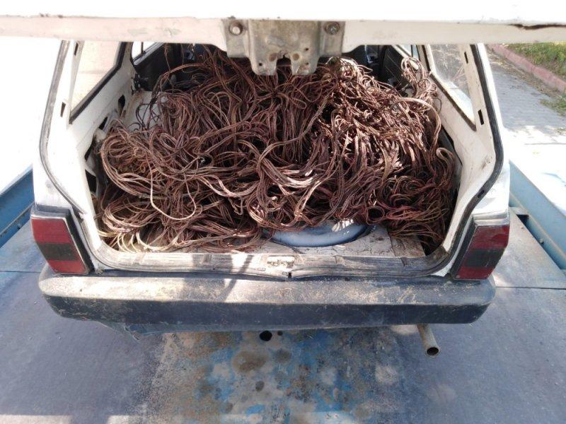 Kovalamaca sonucu durdurulan araçtan 160 kilo çalıntı kablo çıktı