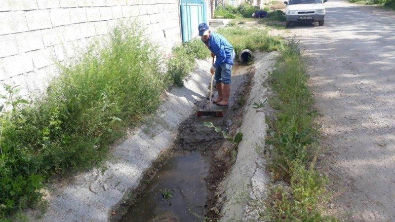 Beyşehir'de kanal ve kanaletlerde temizlik çalışması