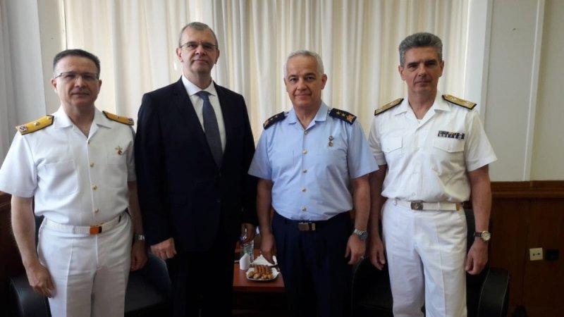"""MSB: """"Ege Denizi'nde Güven Artırıcı Önlemler ve Davranış Kuralları başta olmak üzere işbirliğini geliştirmek amacıyla Atina'da bulunan heyetimiz, Yunanistan Heyetinin Başkanı Nikos Zachariadis ile bir görüşme yaptı."""""""