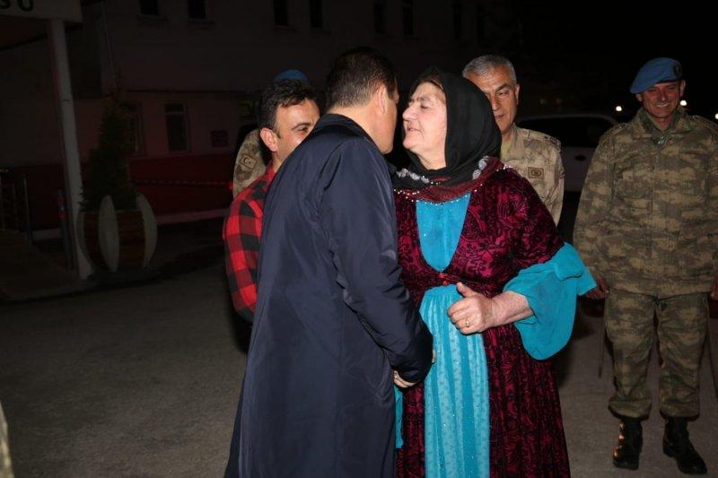 Şehit ailesi makam aracıyla evine bırakıldı