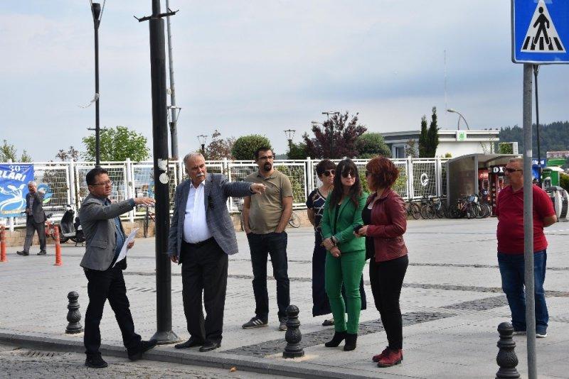Başkan Gökhan, Cumhuriyet ve İskele Meydanı'nda incelemelerde bulundu