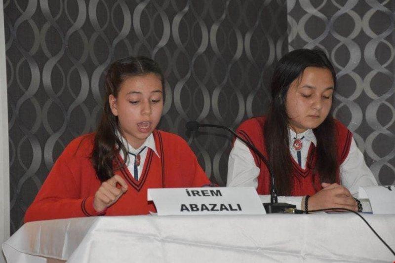 """Öğrencilerden """"Ermeni Soykırımı Yalanı"""" konferansı"""